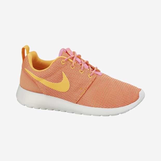 Nike-Roshe-Run-Womens-Shoe-511882_607_A